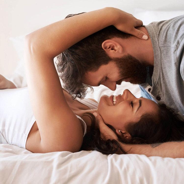casal na cama disfunção erétil